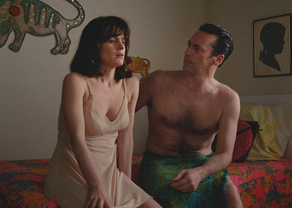 Elizabeth Reaser as Diana and Jon Hamm as Don Draper in Mad Men.