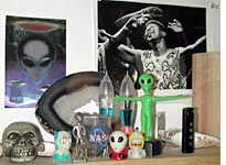 Aliens on my shelf