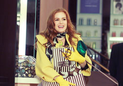 Isla Fisher in Confessions of a Shopaholic.. Click image to expand.