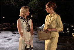 Betty Draper (January Jones) and Francine Hanson (Anne Dudek) in Mad Men.