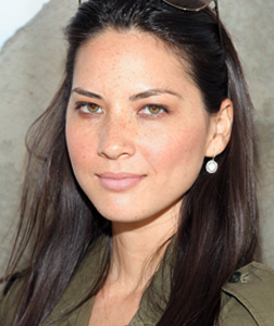 Olivia Munn. Click image to expand.