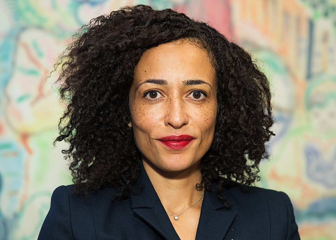 zadie smith Zadie smith frsl (born 25 october 1975) is a contemporary british novelist, essayist, and short-story writer her debut novel, white teeth (2000), immediately became a best-seller and won a number of awards.
