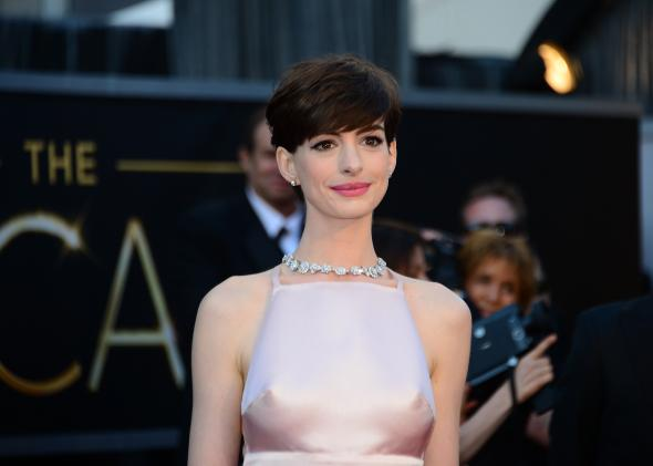 162546272-best-supporting-actress-nominee-anne-hathaway-arrives