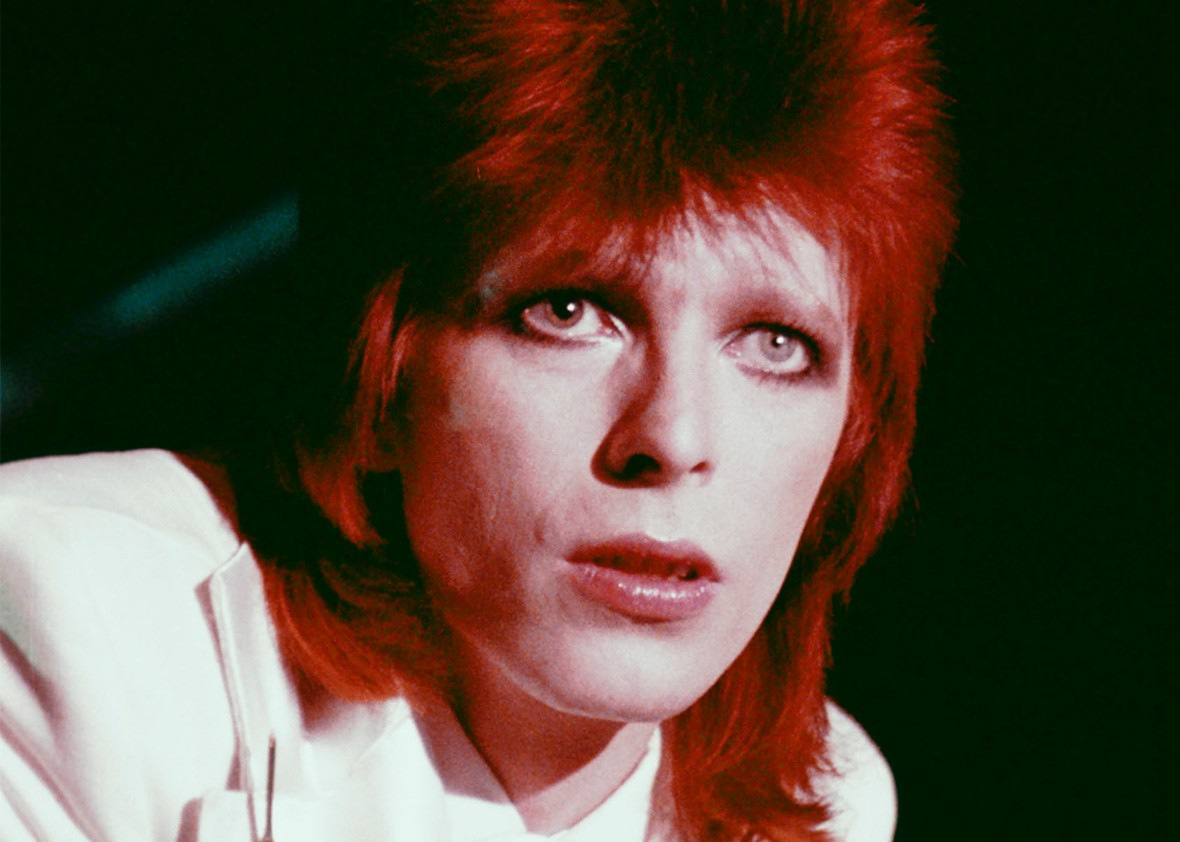 David Bowie impersonates Bruce Springsteen, Lou Reed, and more (VIDEO ...