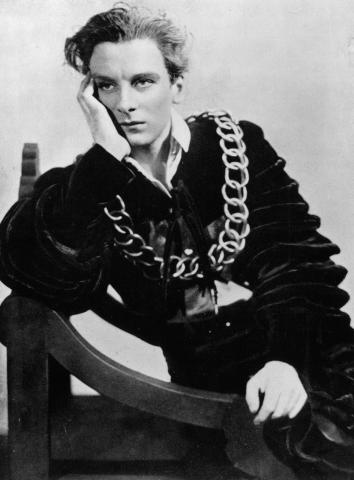 English actor John Gielgud in his role as 'Hamlet', December 1,English actor John Gielgud in his role as 'Hamlet', December 1934.