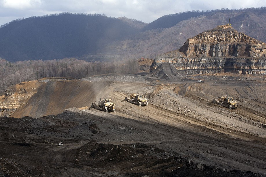 Legal case against mountaintop removal mining: Big coal ...