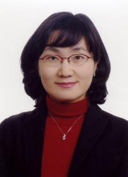 Soojin Lim teaches biology at Hansung Science High School in Seoul, South Korea