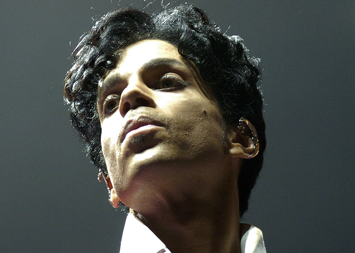 Prince performs at the 10th Anniversary Essence Music Festival at the Superdome on July 2, 2004 in New Orleans, Louisiana.