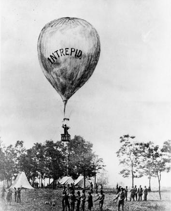 Thaddeus Lowe observing from his balloon Intrepid at the Battle of Fair Oaks, 1862.
