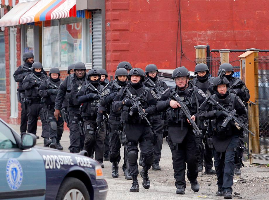 SWAT teams e