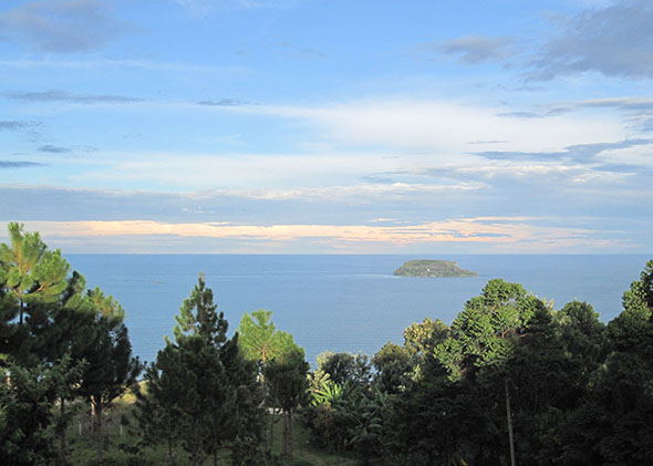 150327_ROADS_LakeVictoria_lake
