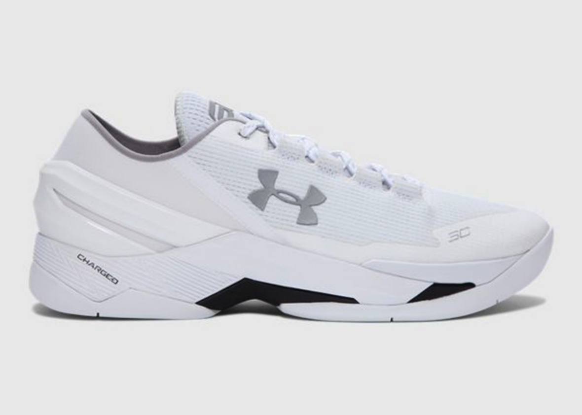 Under Armour Curry 2 Low sneakers.