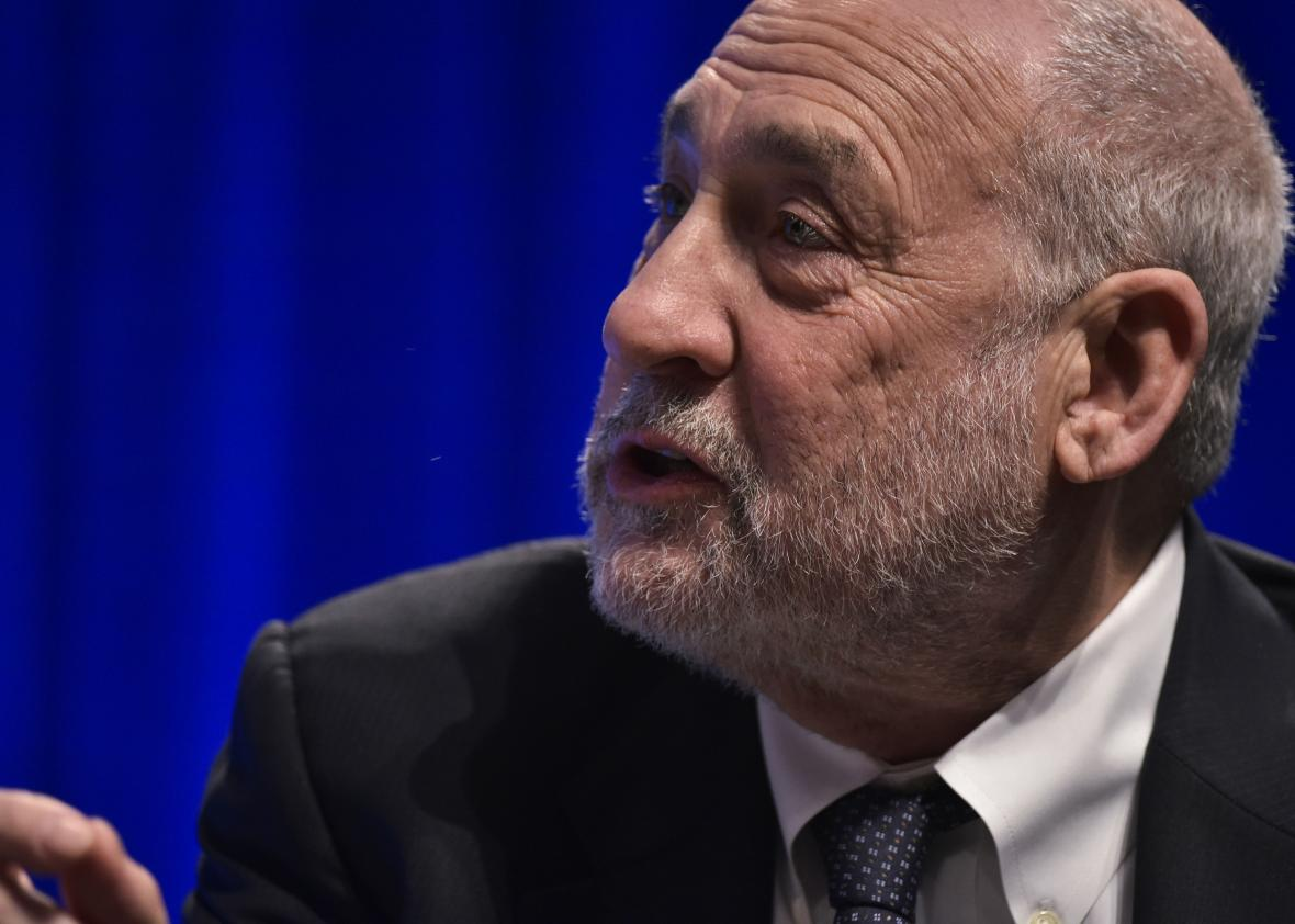 521857110-columbia-university-professor-joseph-stiglitz-speaks-in