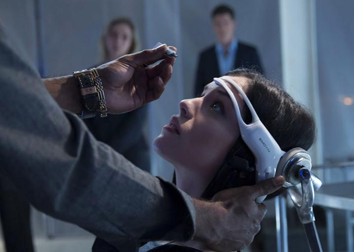 Sci-Fi Has Been Warning Us About Virtual Reality Addiction Since the 1990s