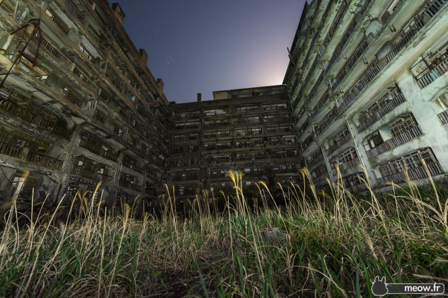gunkanjima-by-night-900x600@2x