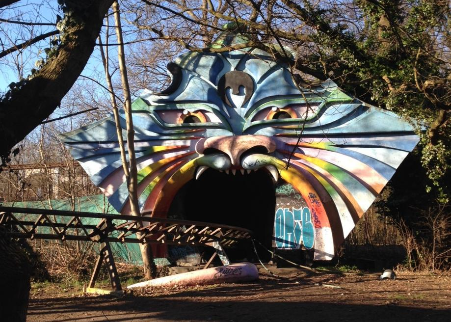 http://www.slate.com/content/dam/slate/blogs/atlas_obscura/2014/01/16/spreepark_in_berlin_is_an_abandoned_theme_park_with_an_outlandish_history/photo_43.jpg.CROP.promo-large2.jpg