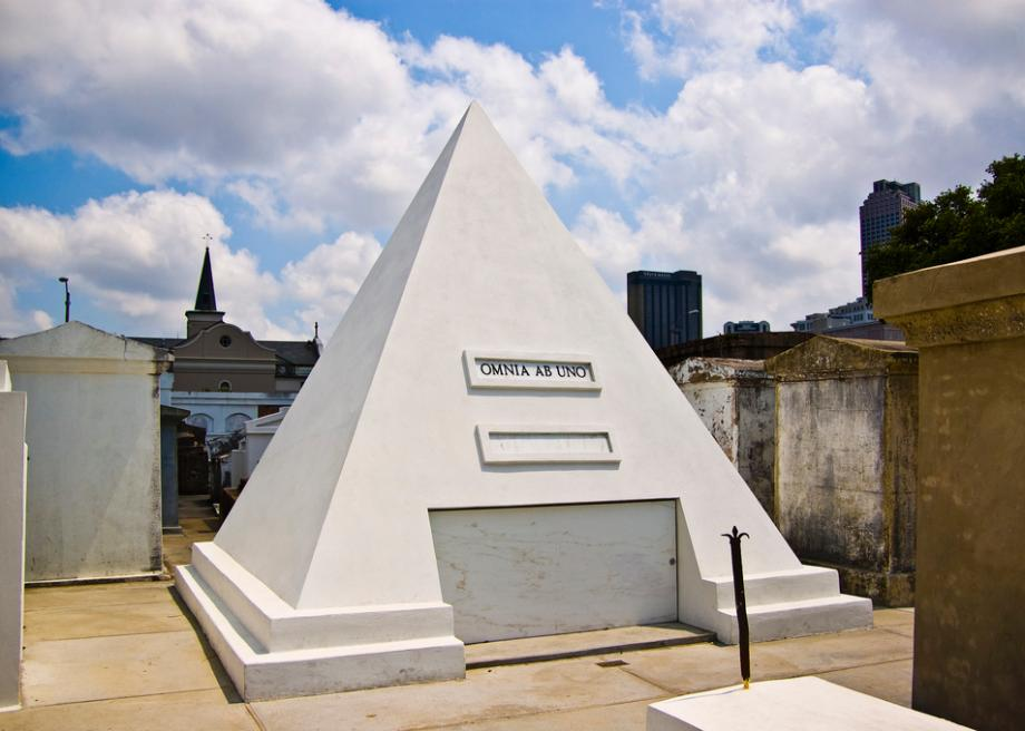 Nicolas Cage Pyramid Tomb In New Orleans Cemetery