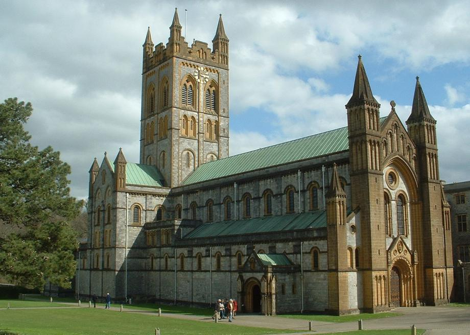 1200pxbuckfast_abbey_buckfastleigh_devon_8
