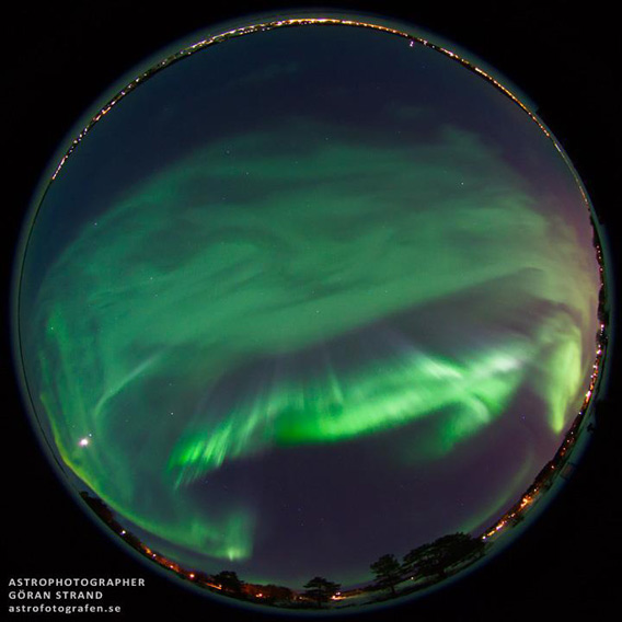 Take a Virtual Tour Of an Aurora as it Dances Before Your Eyes
