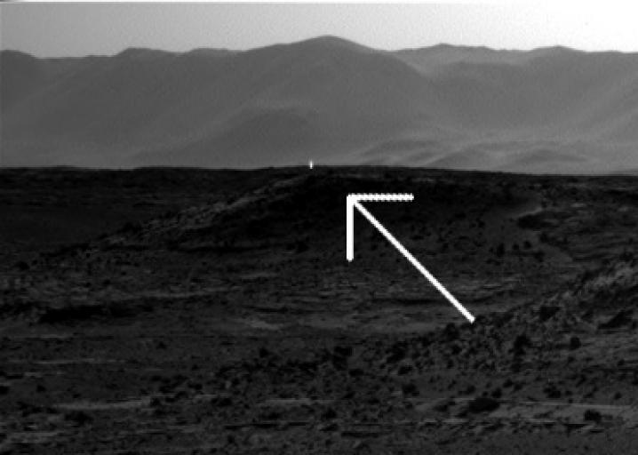 Curiosity photo: Light seen on Mars is a camera artifact, not a real one.