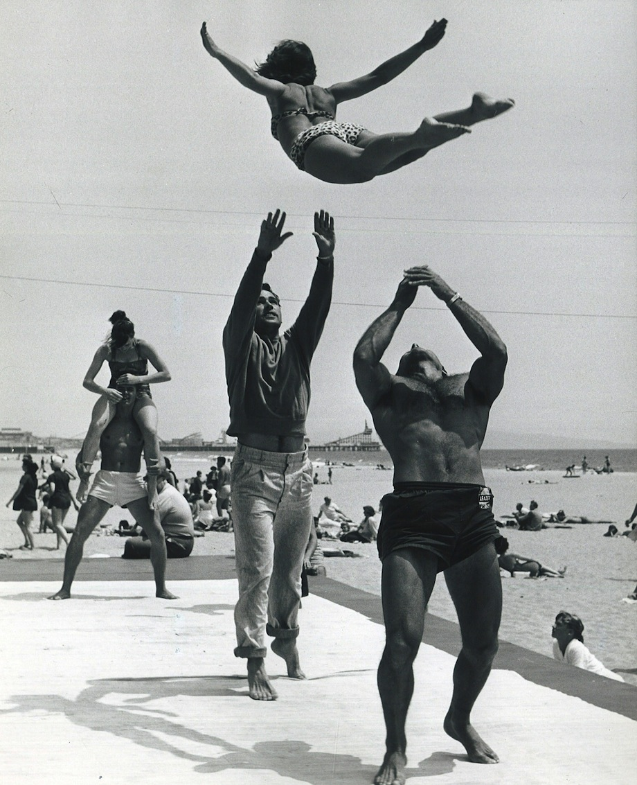 Muscle Beach 1950's | Shorpy Historic Picture Archive