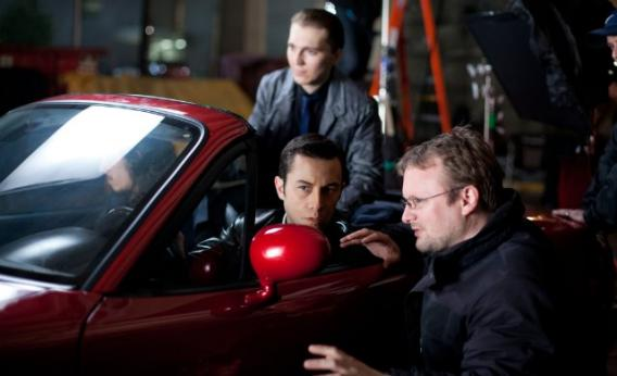 Rian Johnson directs Joseph Gordon-Levitt in Looper