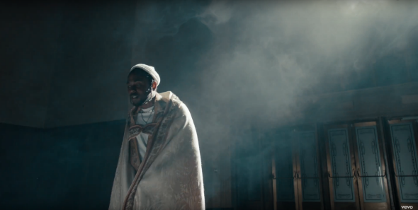 "Kendrick Lamar's ""Humble"" video answers Young Pope fans ..."