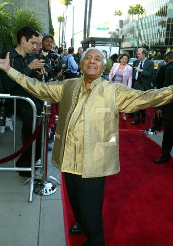 Kumar Pallana at the Los Angeles premiere of The Terminal in 2004.
