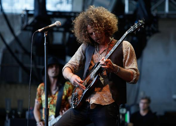 141474431-andrew-stockdale-from-wolfmother-performs-during-f1