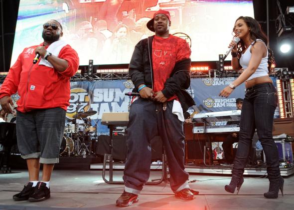 81327312-rappers-raekwon-ghostface-killah-and-singer-alicia-keys_1