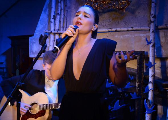 184930523-jessie-ware-performs-as-grey-goose-vodka-hosts