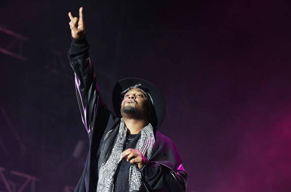 457419158-dangelo-performs-live-for-fans-at-sydney-soulfest-music