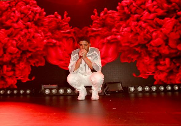 466474143-drake-performs-at-the-time-warner-cable-studios-and