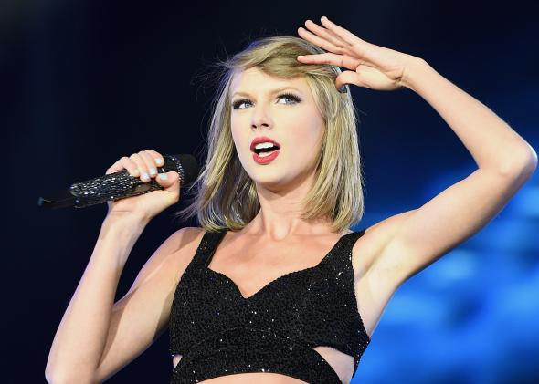 473553998-taylor-swift-performs-the-1989-world-tour-show-onstage