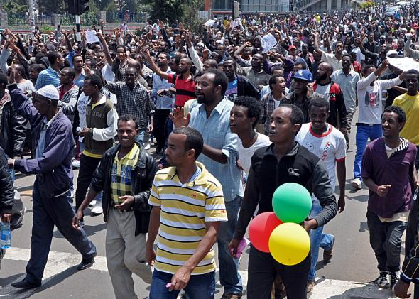 169849350-thousands-of-ethiopian-opposition-activists-demonstrate