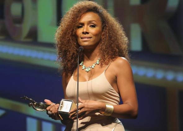 181499064-founder-of-girlslikeus-janet-mock-speaks-on-stage-at
