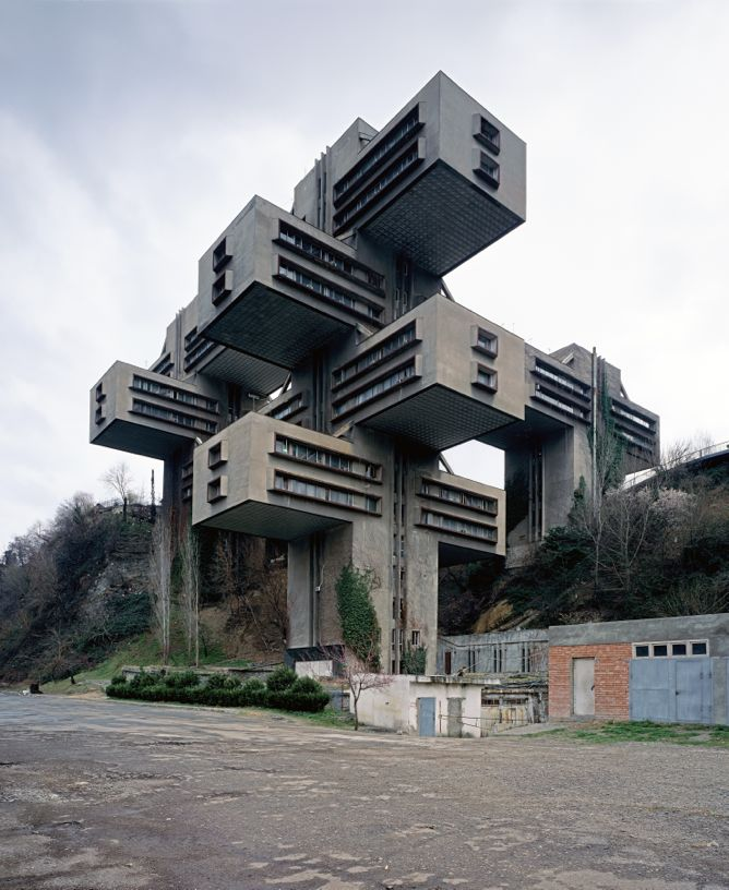 shooting space by elias redstone and constructing worlds