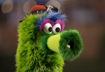 456231678-the-phillie-phanatic-wears-a-gopro-on-his-head-prior-to
