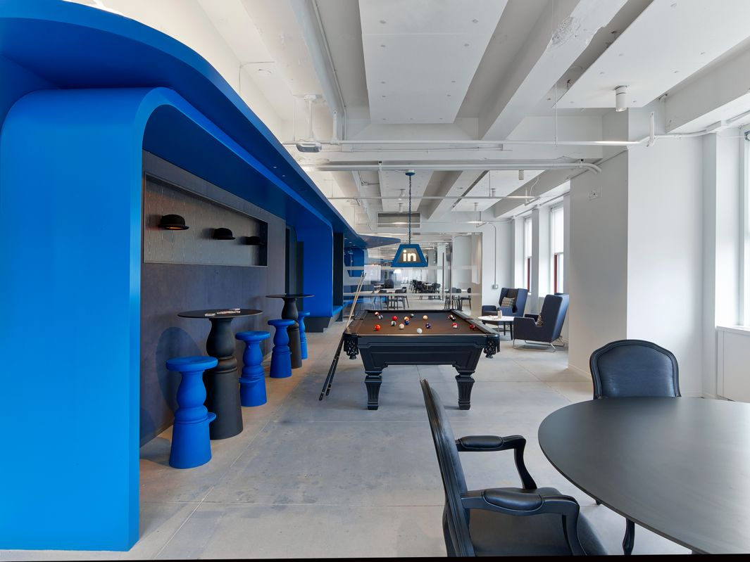 Linkedin nyc offices by ia interior architects include a for Office design blue