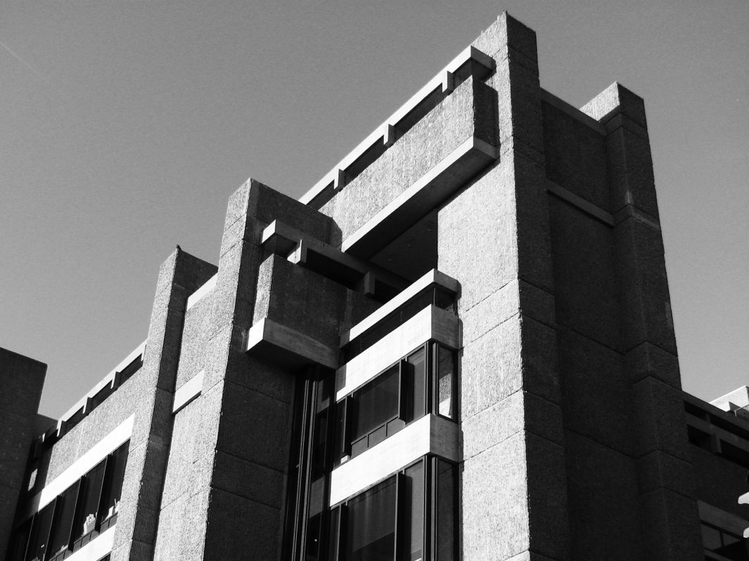 Brutalist architecture a case for hulking concrete for Architecture brutaliste