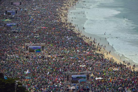 Brazil Beaches People People Crowd Copacabana Beach