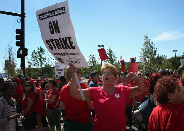 151878099-chicago-public-school-teachers-and-their-supporters