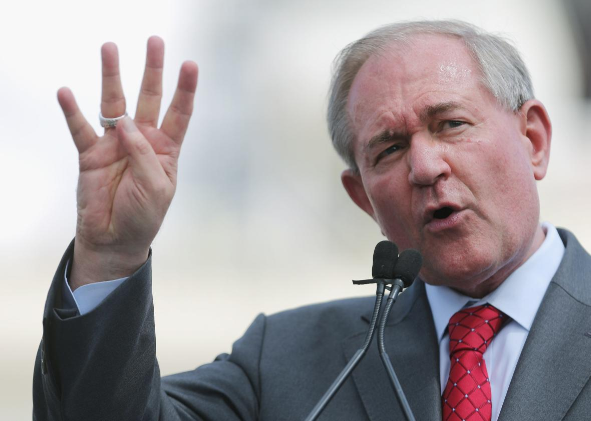 487405120-republican-presidential-candidate-jim-gilmore-addresses