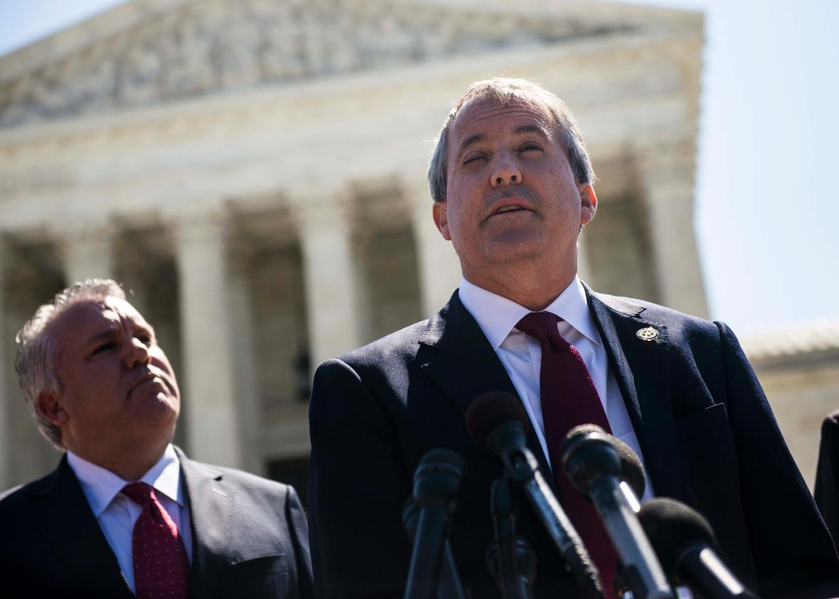 539039684-texas-attorney-general-ken-paxton-speaks-to-reporters
