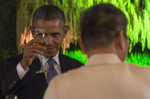 487169773-president-barack-obama-proposes-a-toast-during-a-state
