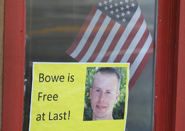 495200405-sign-announcing-the-release-of-sgt-bowe-bergdahl-sits