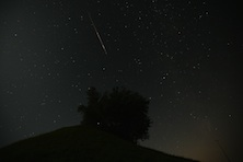 /blogs/xx_factor/2010/08/13/the_perseid_meteor_shower_thrills_kids_with_shooting_stars/jcr:content/body/slate_image
