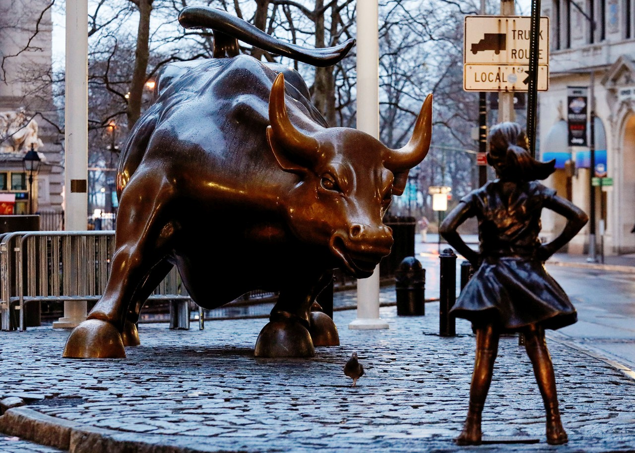 A bronze little girl sculpture joins the Charging Bull on ... Wall Street Bear Statue