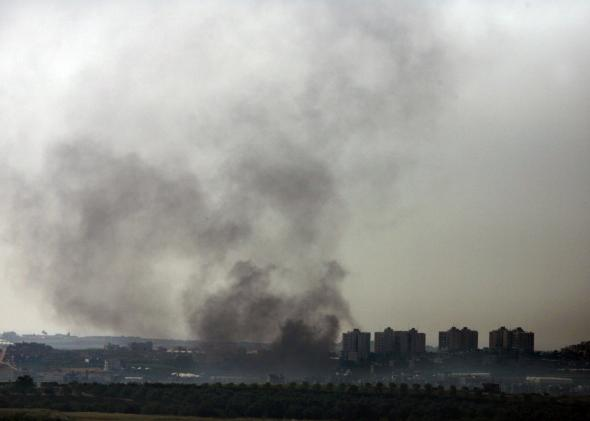 74176448-smoke-rises-over-gaza-city-during-israeli-army