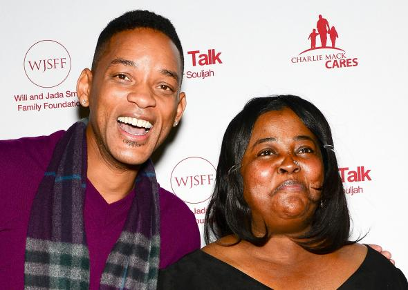 160556438-will-smith-and-sister-souljah-pose-on-the-red-carpet